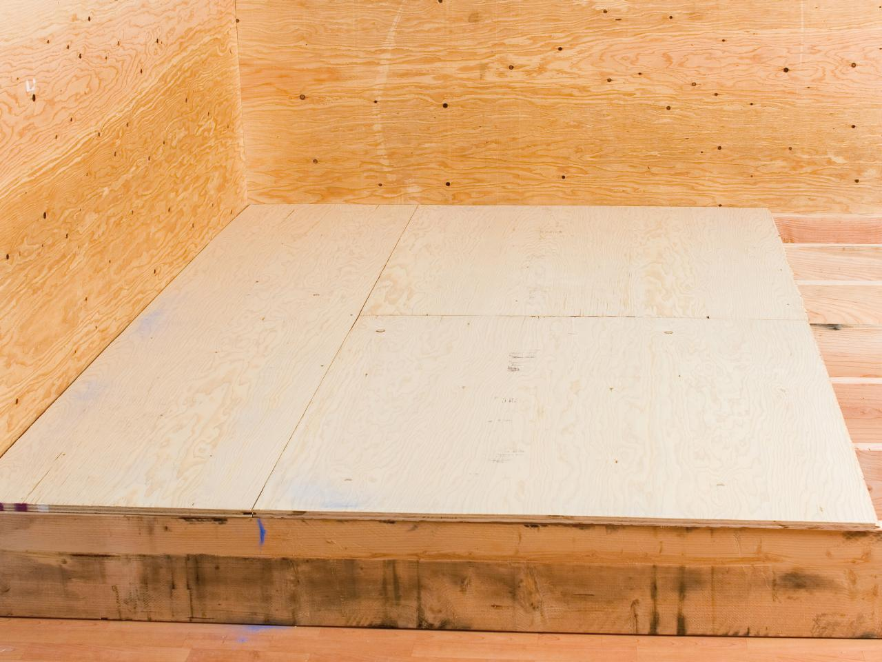 How to lay plywood on the floor